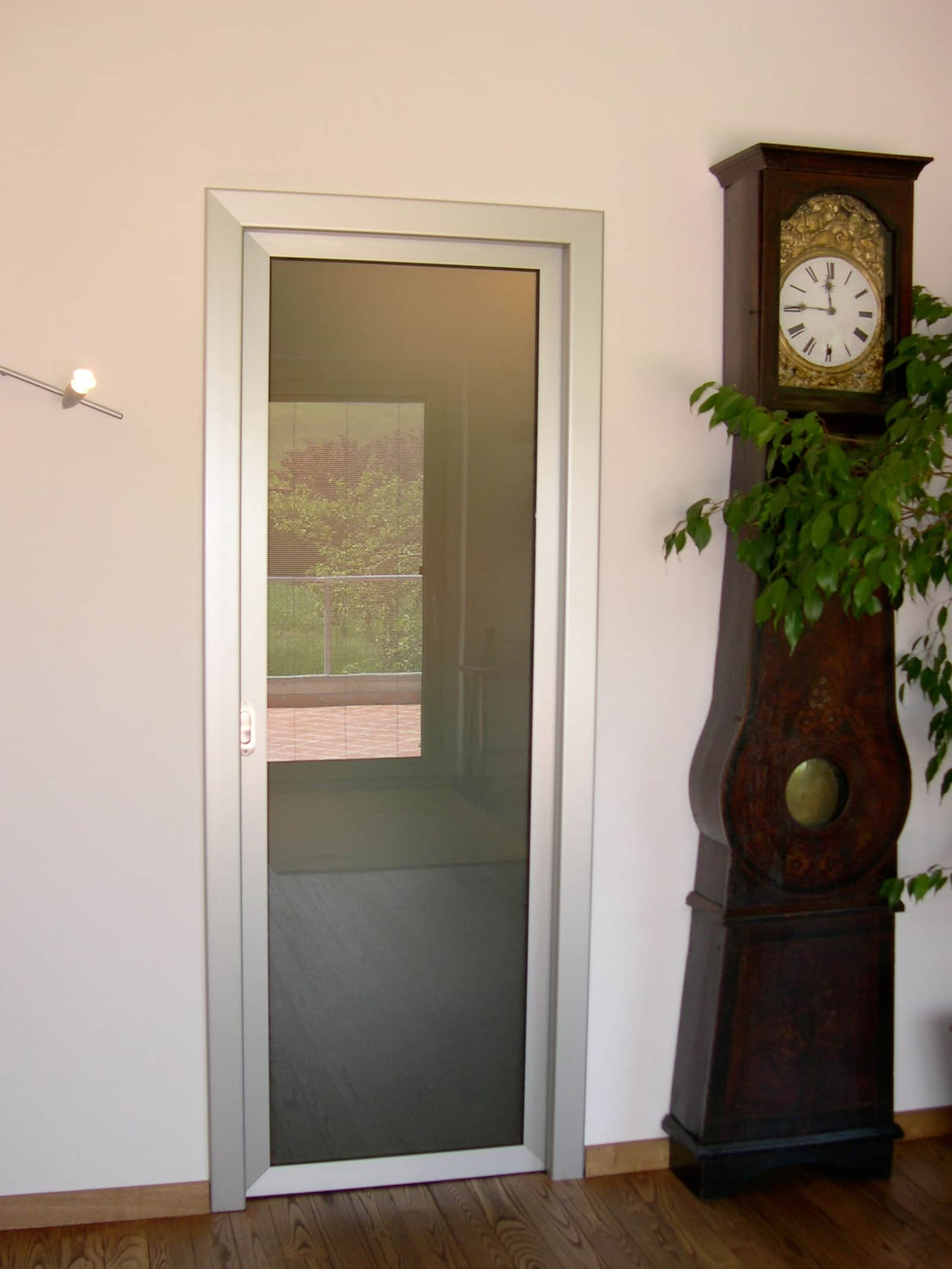 Serramenti in alluminio savona posa serramenti savona for Porte dinterni